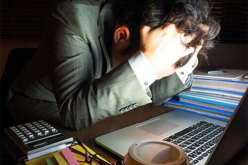 社会問題になっている「過重労働」を防ぐために勤怠管理を使ってできる残業削減