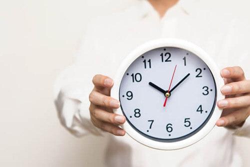 期間単位で労働時間を計算する「変形労働時間制」の詳細とそのメリット・デメリット