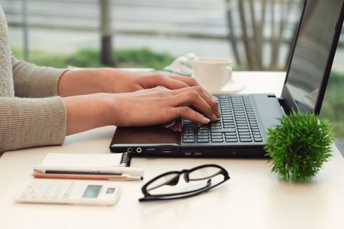 社会保険の電子申請義務化がスタート!対象企業や準備とは?